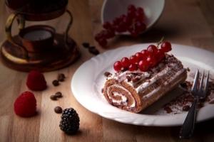 ローソン×ゴディバ|ショコラロールケーキはいつまで?カロリーや口コミも!